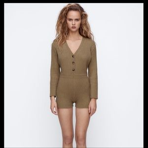 💥Free Ship Spring Break💥NWT short knit jumpsuit.